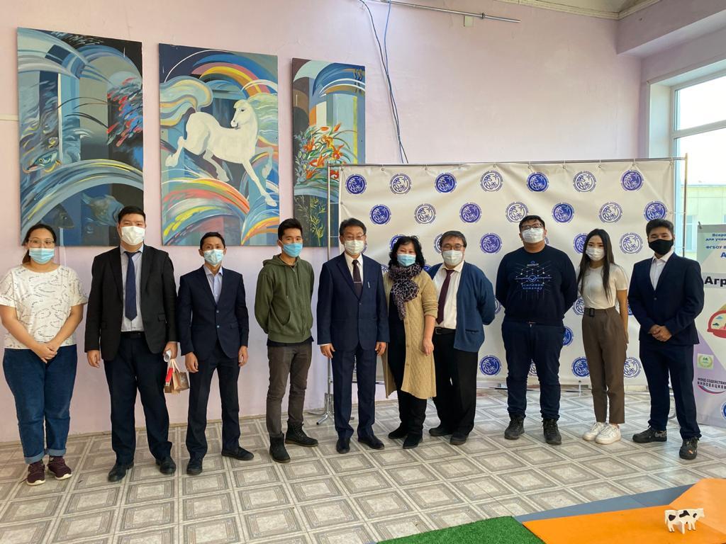 Волонтерам Ленского района Якутии вручили медали президента страны