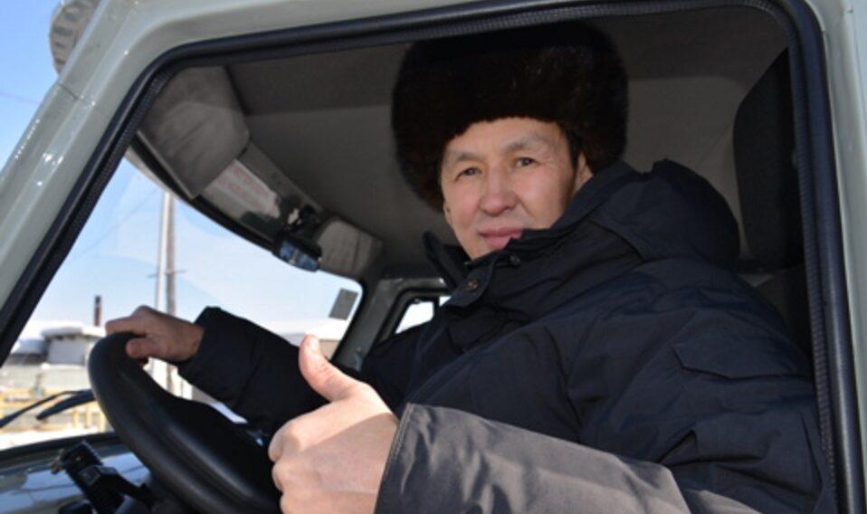 В Якутии пять многодетных семей приобрели автотранспорт по социальному контракту