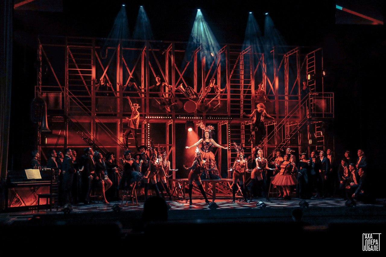 Для медработников и работников социальной сферы прошла премьера оперетты «Сильва»