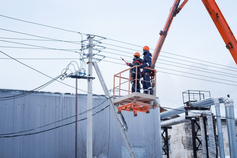 В Чурапчинском районе энергетики восстанавливают электроснабжение участка Орга