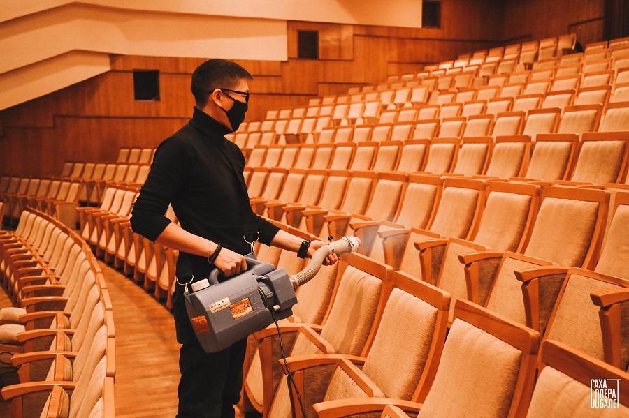 С 20 октября все театры Якутии начнут принимать зрителей только с QR-кодом
