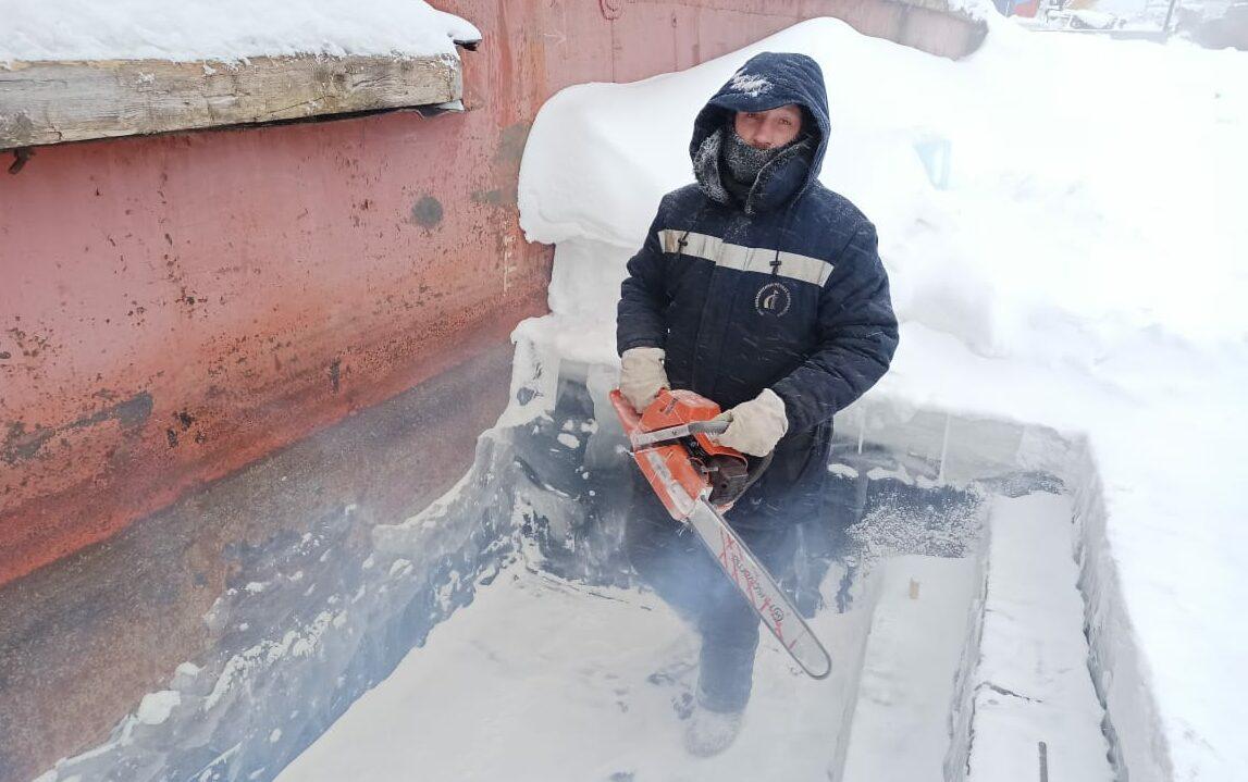 Дневник судоремонта ЛОРПа. Морозы помогают речникам Якутии в работе