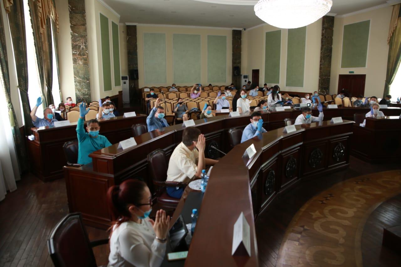 Сессия Якутской гордумы по рассмотрению заявления Сарданы Авксентьевой назначена на 14 января