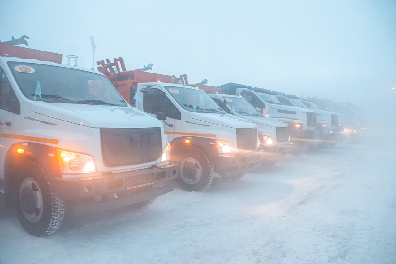 В Якутск прибыла спецтехника для перевозки твердых коммунальных отходов