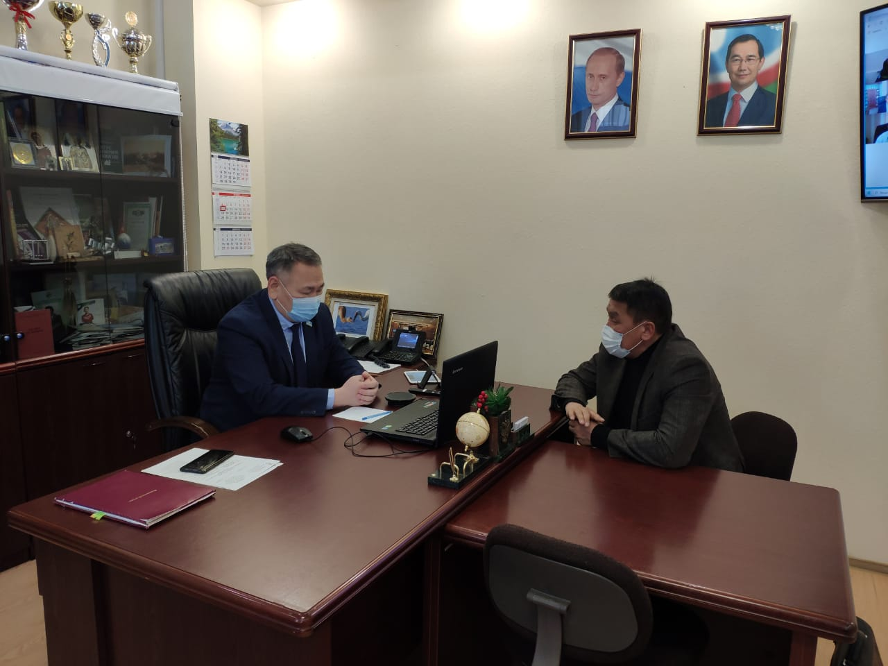 Министр экологии Якутии обсудил с главой Момского улуса создание Национального парка
