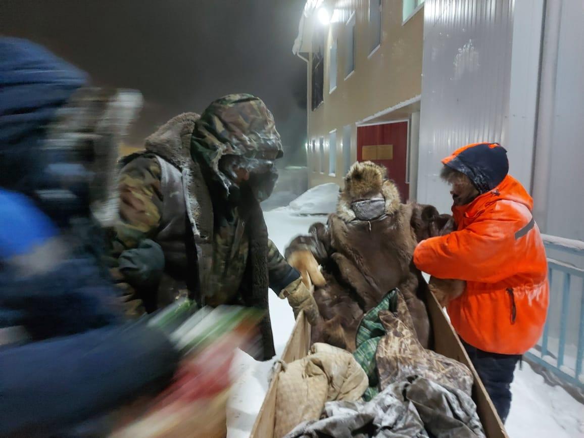 В Якутии при температуре -53 спасатели на буране эвакуировали больного человека