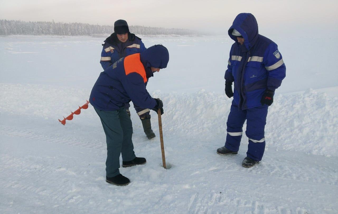 Инспекторы ГИМС продолжают профилактическую работу на ледовых переправах Якутии