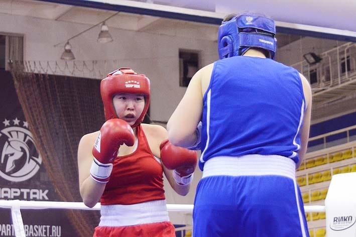 Девушки из Якутии, призеры дальневосточного первенства по боксу, примут участие в первенстве России