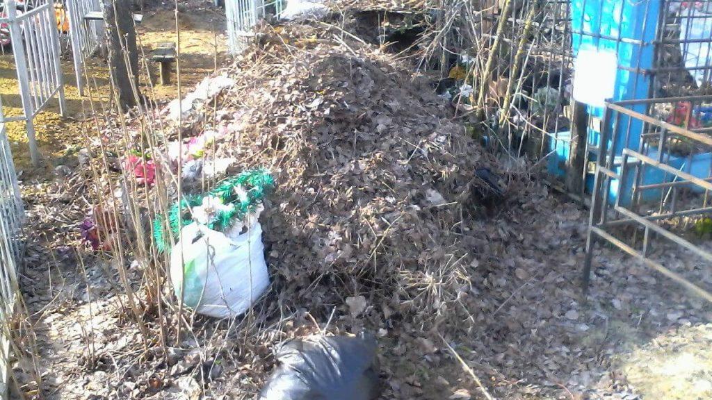 По требованию прокуратуры в Кобяйском районе привели в порядок территории кладбищ