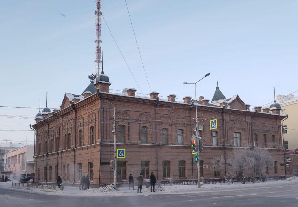 Читальные залы Национальной библиотеки Якутии открыли для посетителей