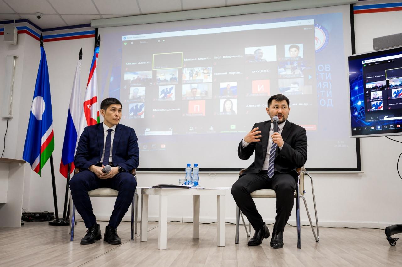 Более 200 вопросов поступило от жителей Якутска на отчете правительства
