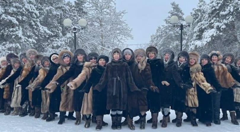 ВИДЕО. Жительницы Якутска станцевали в -45 градусов в парке культуры и отдыха