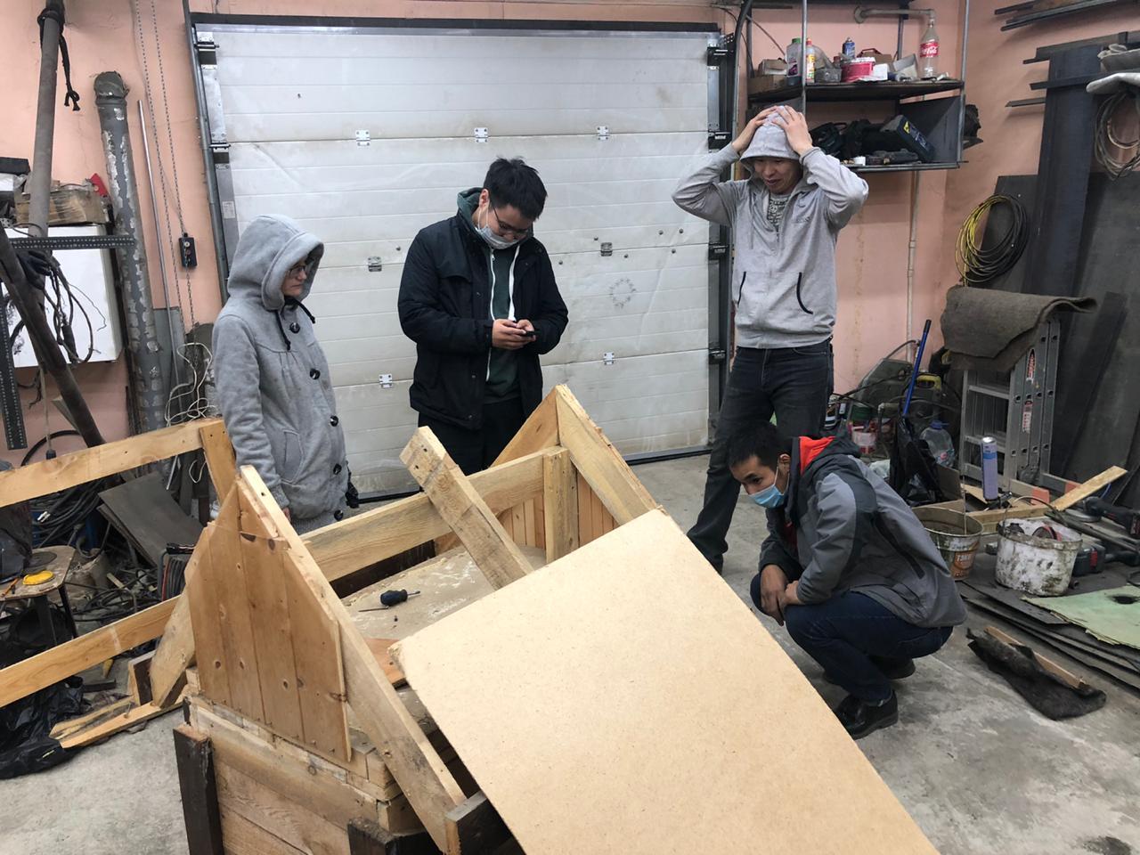 Дом для друга. Жители Якутска построили 135 теплых будок для бездомных животных