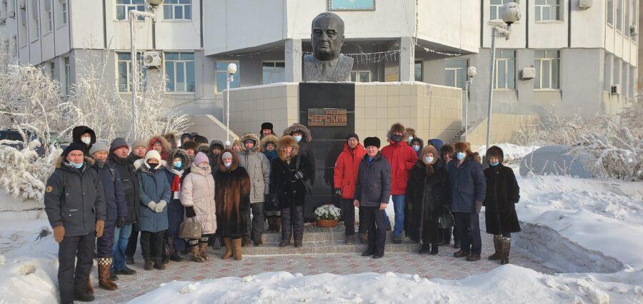 Якутские ученые почтили память Николая Черского и Михаила Новопашина