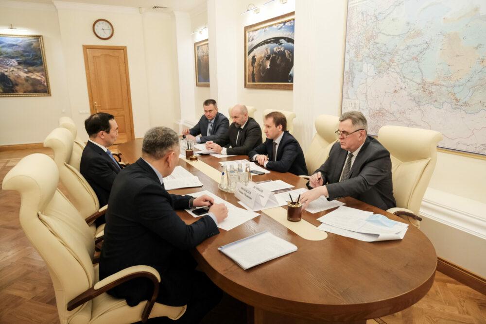 Глава Якутии обсудил с руководителем Минприроды РФ вопросысовершенствования системы охраны лесов