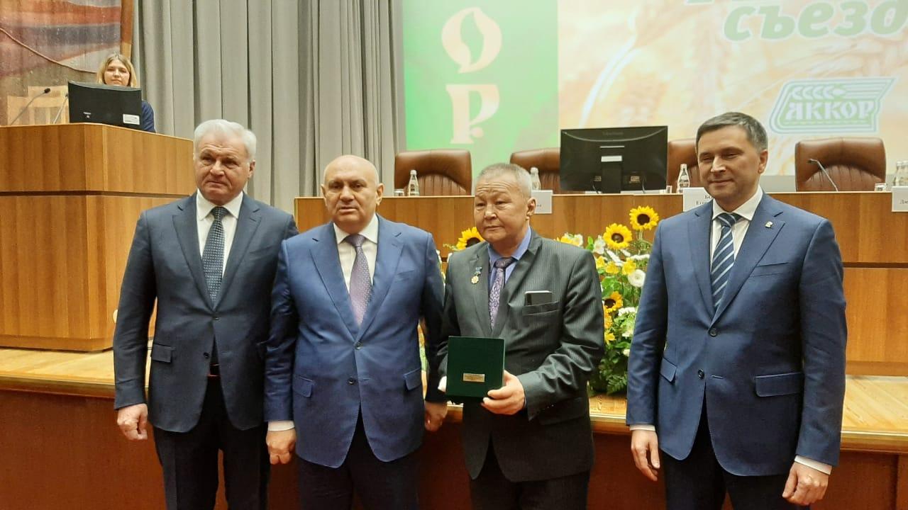 Глава фермерского хозяйства из Якутии Захар Винокуров удостоен звания «Заслуженный фермер России»