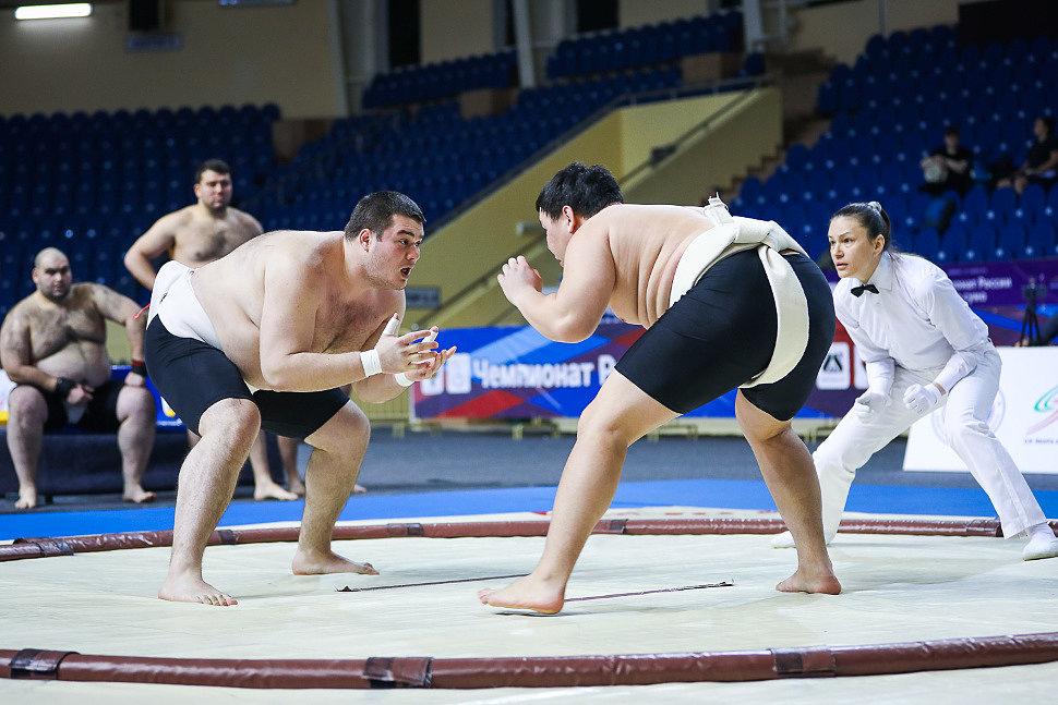 Якутские борцы-сумоисты отправились на чемпионат России