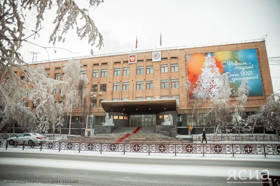 Глава Якутии подписал указ о запрете на привлечение к работе иностранных граждан на основании патентов в 2021 году