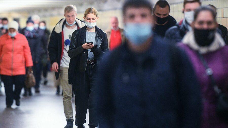 Вирусологи обозначили сроки отмены масочного режима