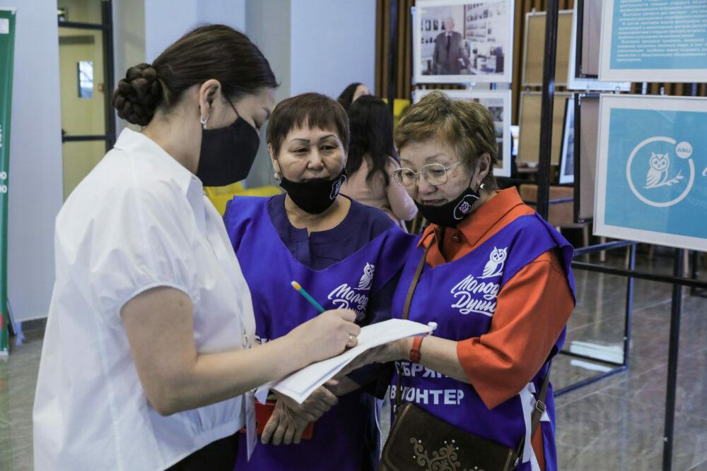 """В Якутске открыли центр """"серебряного"""" волонтерства """"Молоды душой"""""""