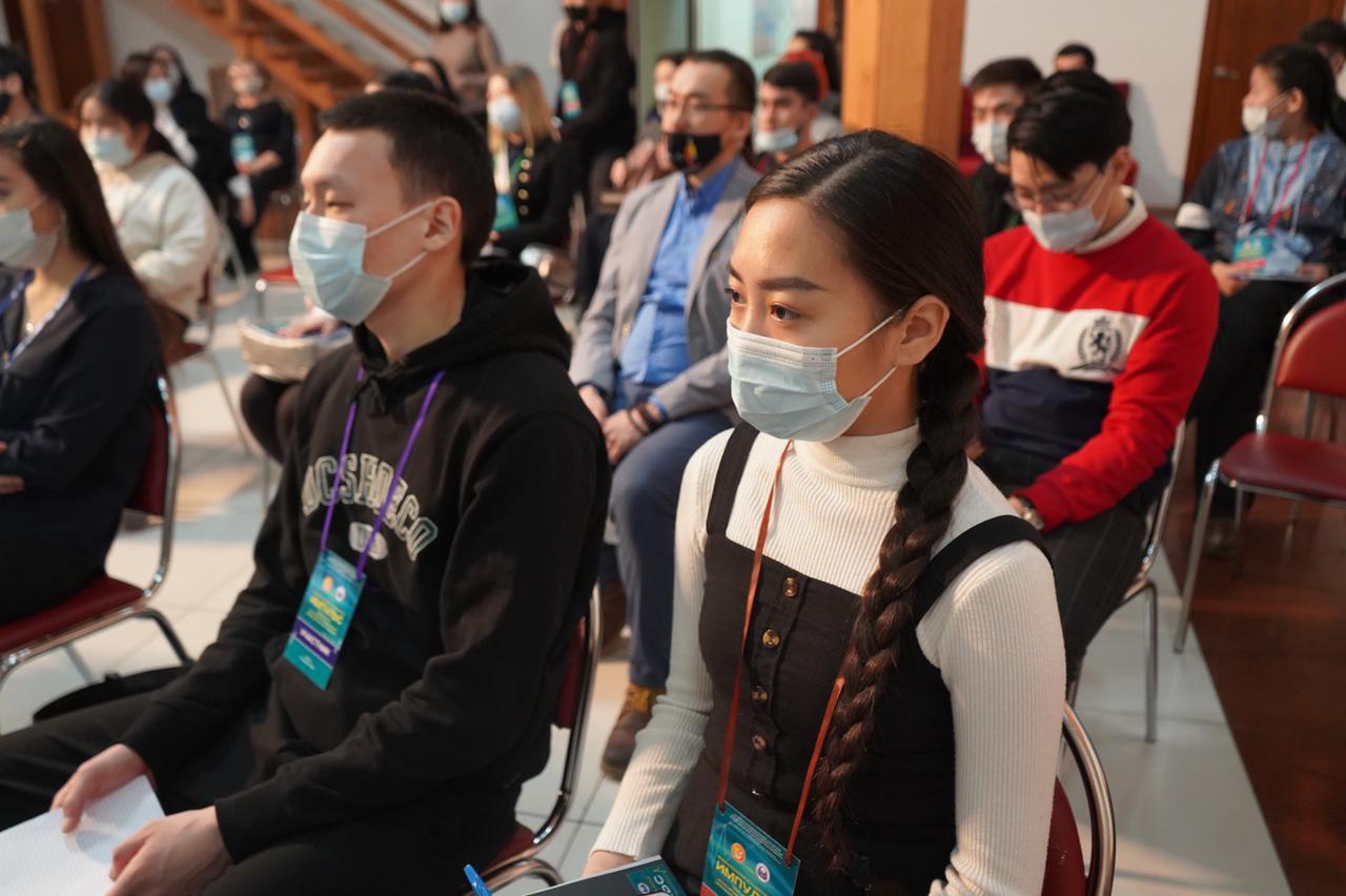 В Якутске молодёжь обсудила роль современных медиа в гармонизации межнациональных отношений