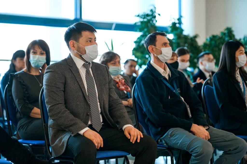 «Два крыла одного самолета». Работников гражданской авиации поздравили с профессиональным праздником в Якутске