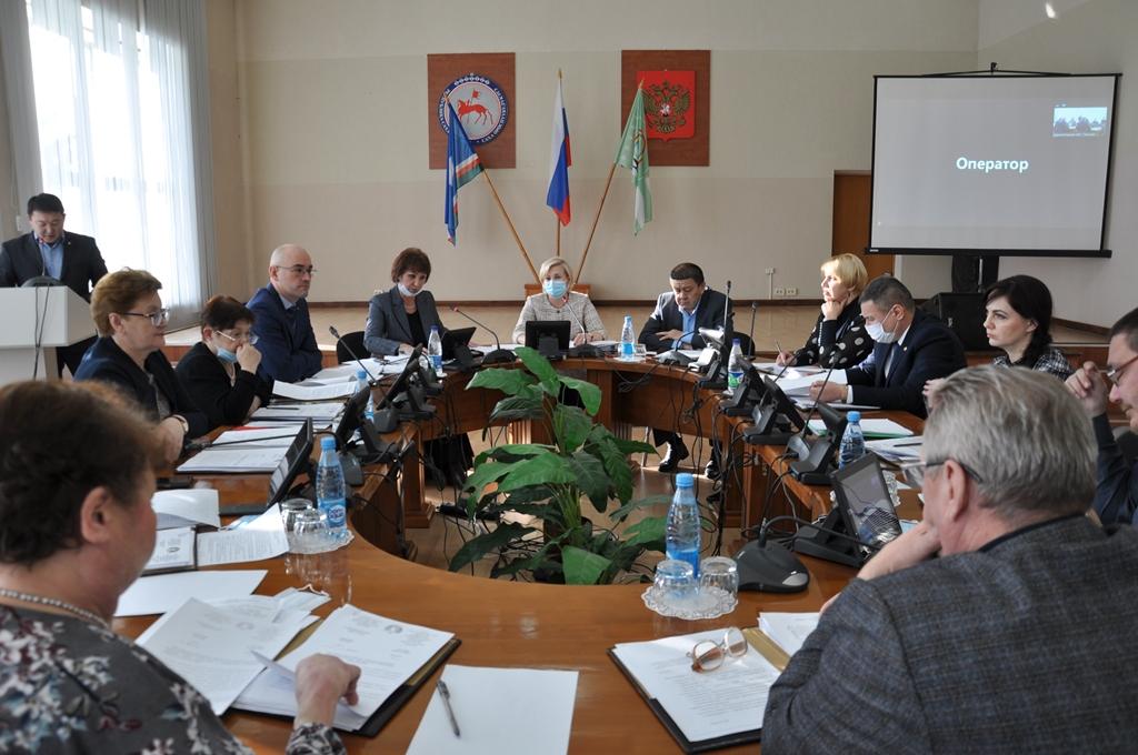 Депутаты Ленского района поддержали слияние администраций города и района