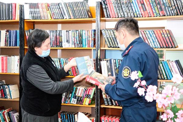 В СИЗО Якутии поступили книги из фонда библиотеки «Березка»