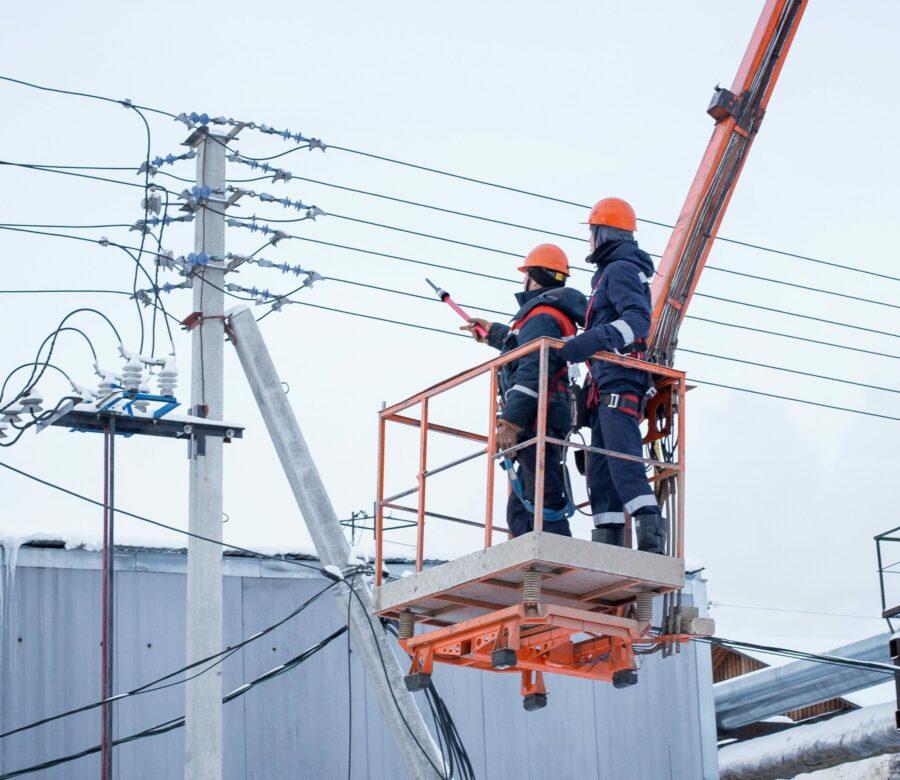 Энергетики ДРСК присоединят к сетям компании якутский посёлок Тобук