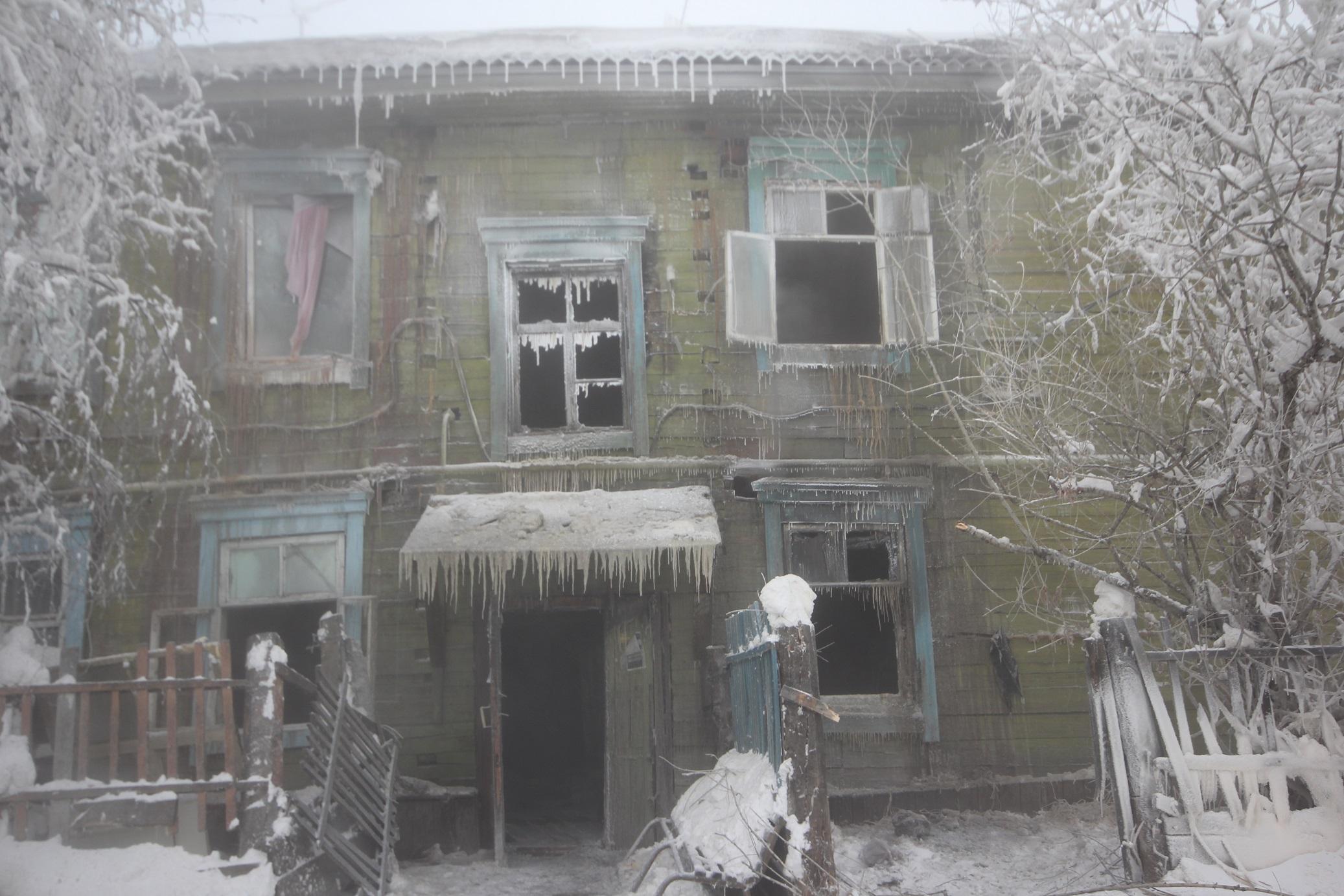 Власти Якутска помогут пострадавшим при пожаре дома на улице Шевченко