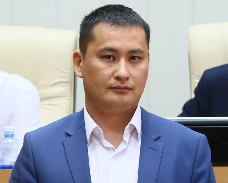Тимур Ханды освобожден от должности замминистра экономики Якутии