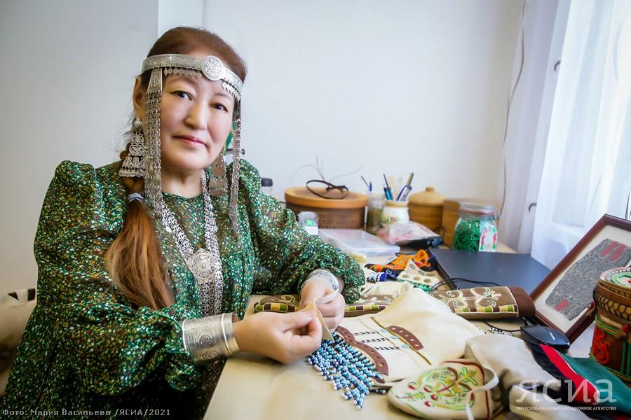Мастерица Анисия Федорова: Меховую шубу якутской невесты шила три года