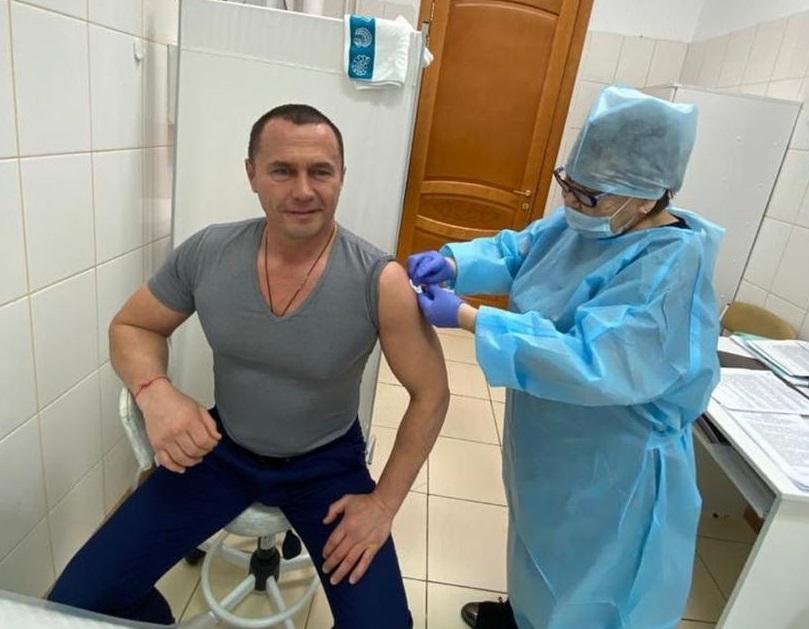 И.о. первого зампреда правительства Якутии Дмитрий Бердников сделал прививку от коронавируса