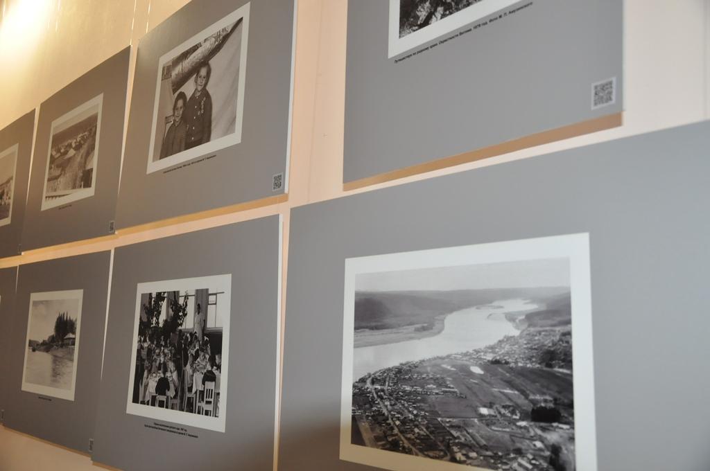 История в объективе. К 400-летию поселка Витим в Ленске открыли фотовыставку