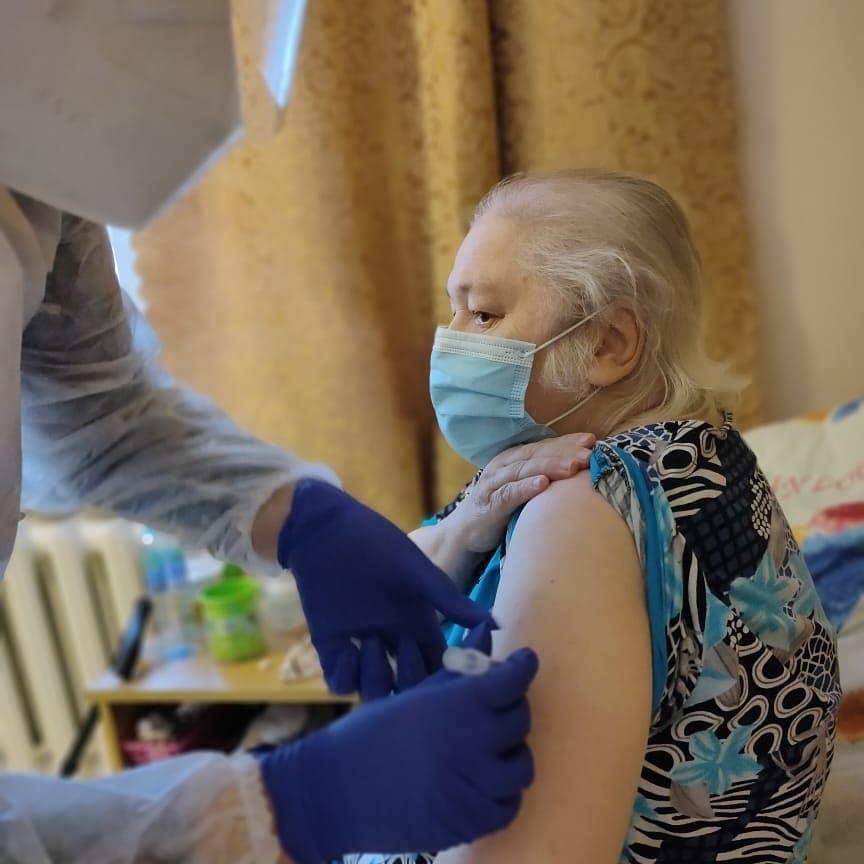 На 16 мая в Якутии первую вакцинацию получили 120 829 человек