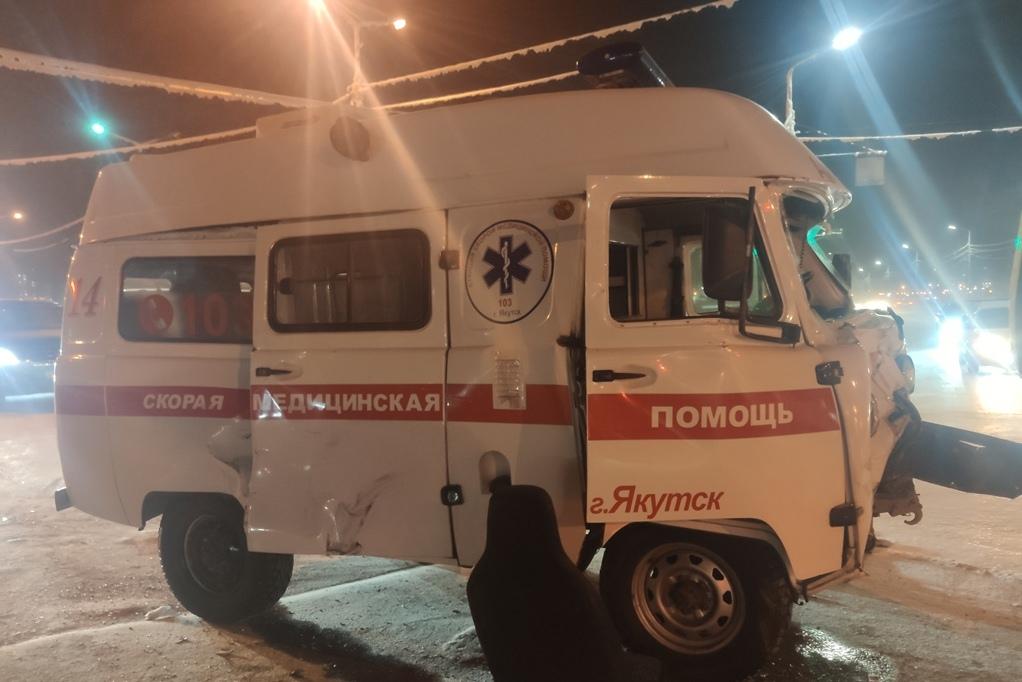 фото УАЗ ДТП со скорой Якутск 09.02.21П