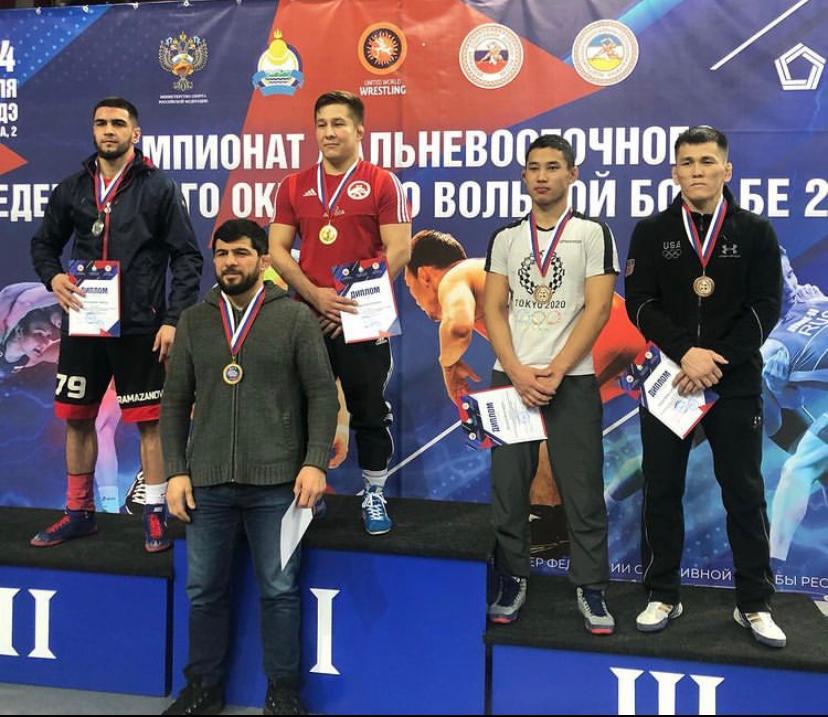 Якутские борцы завоевали пять золотых медалей на ДФО и 18 путевок на чемпионат России