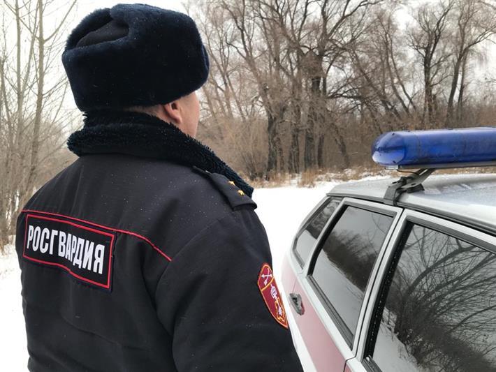 В Якутске росгвардейцыустановили граждан, подозреваемых в незаконном употреблении и хранении наркотиков