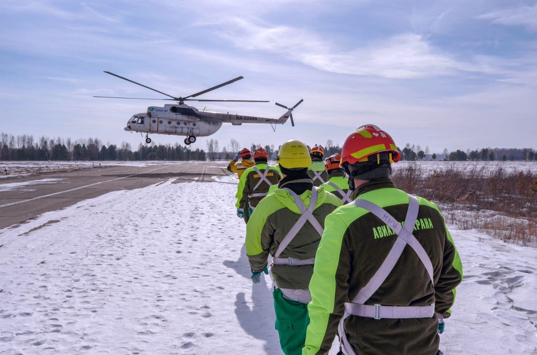 Главный парашютист-десантник Якутской Авиалесоохраны проходит подготовку на Всероссийских тренировках