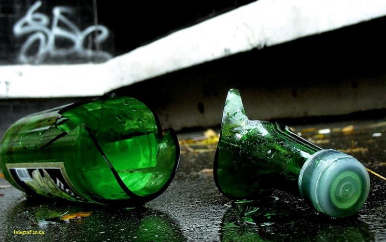 В Вилюйском районе 19-летнего юношу ударили бутылкой по лбу