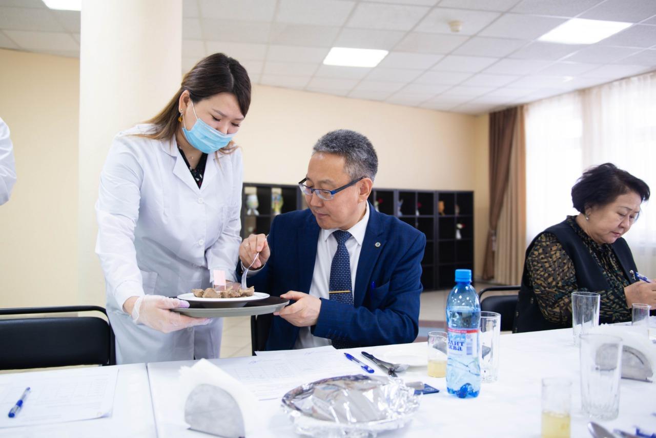 Эксперты Якутии оценили на вкус качество мяса скота калмыцкой породы
