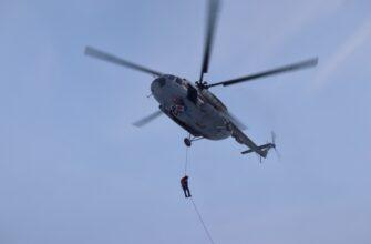 Спасатели МЧС России провели тренировку по беспарашютномудесантированию в Якутии