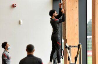 Один из лучших футболистов мира Мохаммед Салах взобрался на стенку Коркина