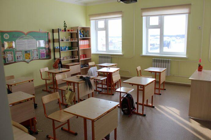 Школьников Якутска перевели на дистанционное обучение