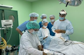 В Якутии впервые провели операцию по вживлению слухового аппарата костной проводимости