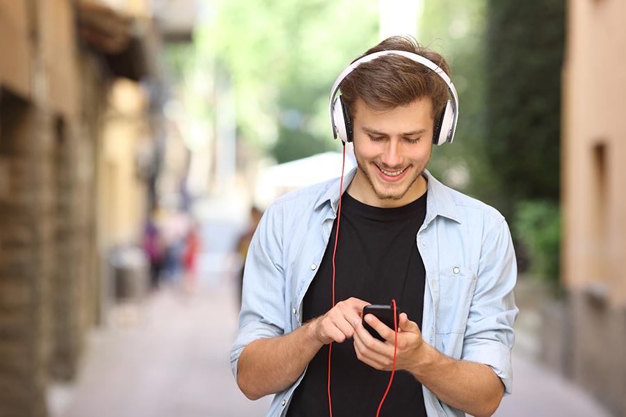 Музыка их связала: названы самые популярные стриминговые сервисы