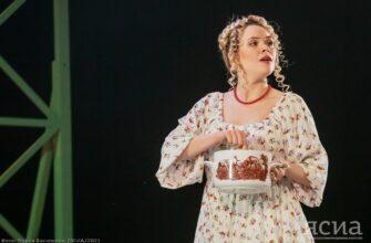 Премьера спектакля «Не все коту масленица» в Русском драмтеатре Якутска