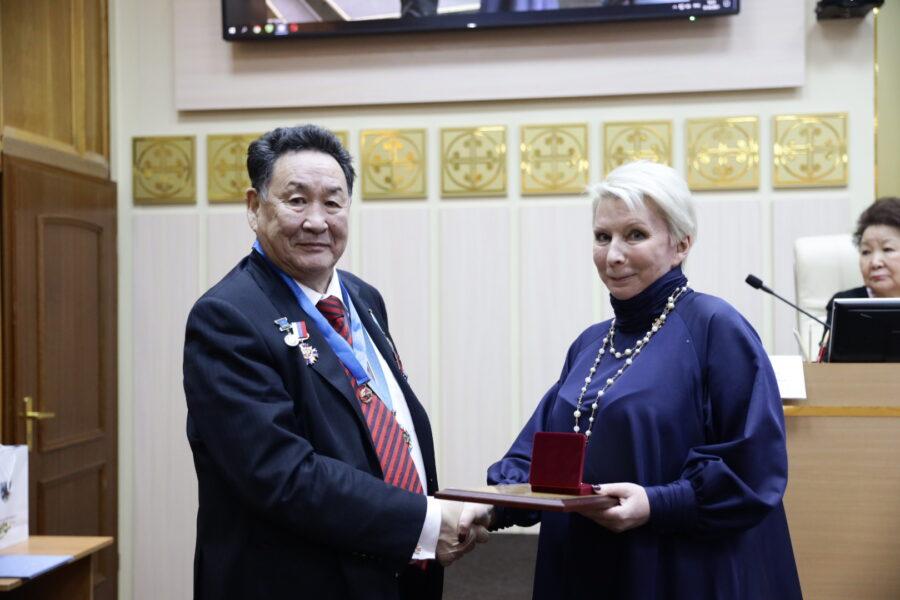 В Якутске прошло торжественное заседание общественности в честь юбилея Виталия Басыгысова