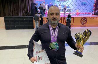 Сотрудник ЖДЯ завоевал золото в трех номинациях Кубка чемпионов мира по пауэрлифтингу