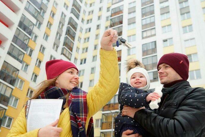 Более 270 молодых семей Якутии получат социальные выплаты на жилье
